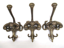 UpperDutch:Wall hook,Set of 3 Vintage Large Ornate Victorian style Coat hooks, made in Italy
