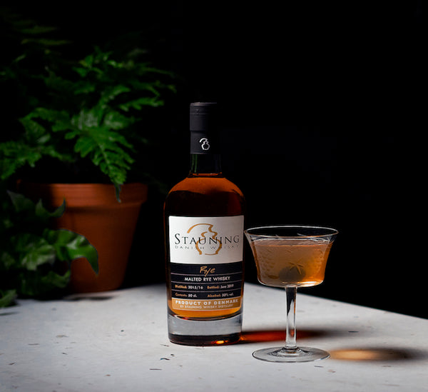 Scanhatten Cocktail manhattan with stauning whisky and gammel dansk bitters