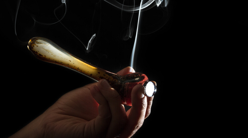 8 Things That Can Be Smoked with a Glass Pipe