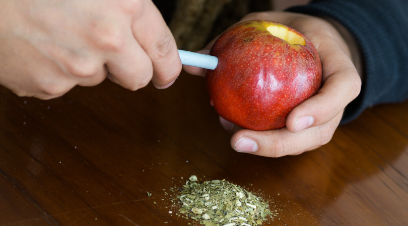How to Make an Apple Pipe for Smoking Weed