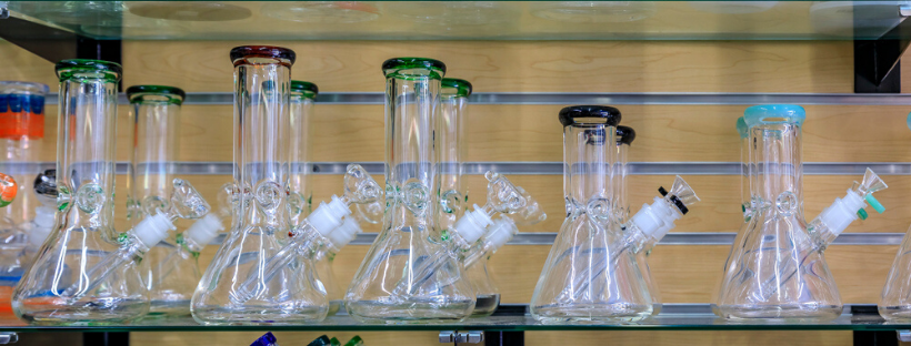 Which Bong Design and Size Is Right for You
