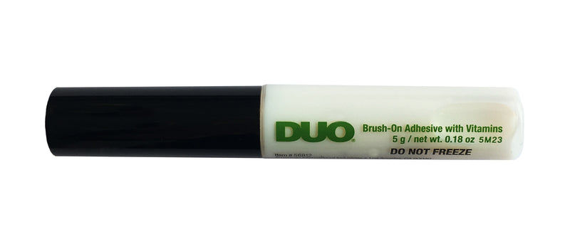 DUO Brush On Striplash Adhesive with Vitamins White (5g)