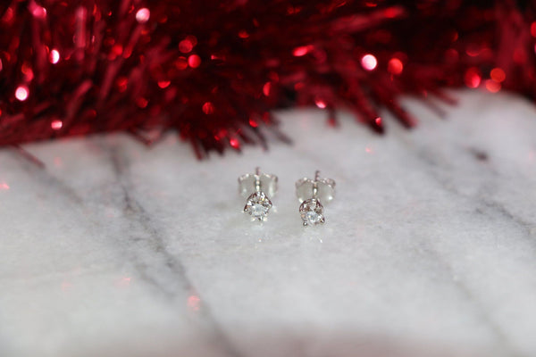 lab grown diamond stud earrings