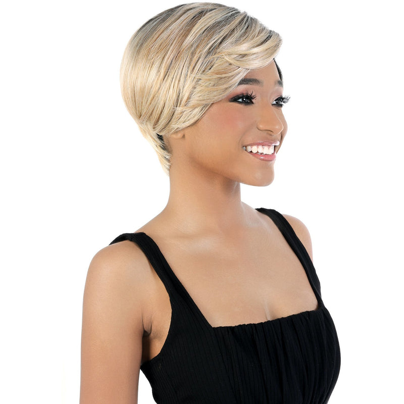 DP.Nice - Short Length Straight Synthetic Wig | Motown Tress