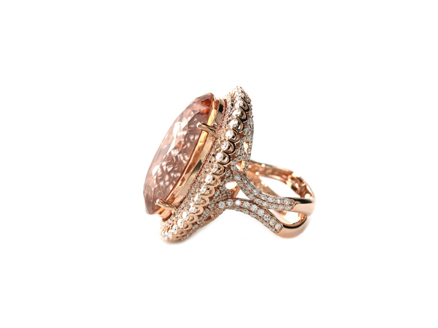 BLAINE - 18K GOLD MORGANITE AND DIAMOND OVAL RING