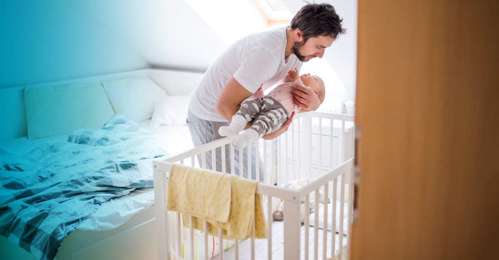 Choosing a safe cot or crib for your newborn baby