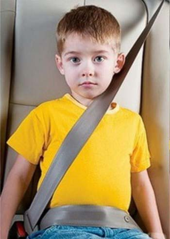 Dangerous-Seat-Belt-Position-on-Child