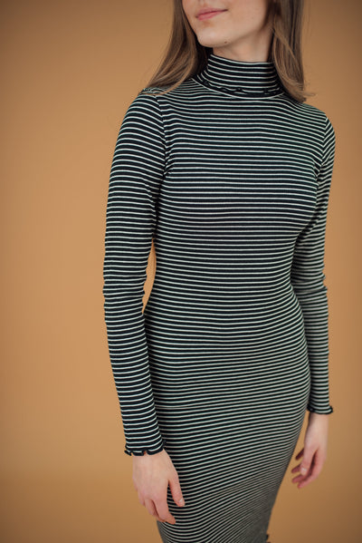 Logan Ribbed Tee Dress in Black and White