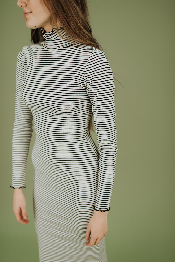 Logan Ribbed Tee Dress in White and Black