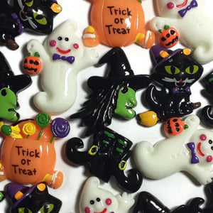 Halloween Witch Trick or Treat Black Cat Flatback Cabochon - Set of 20