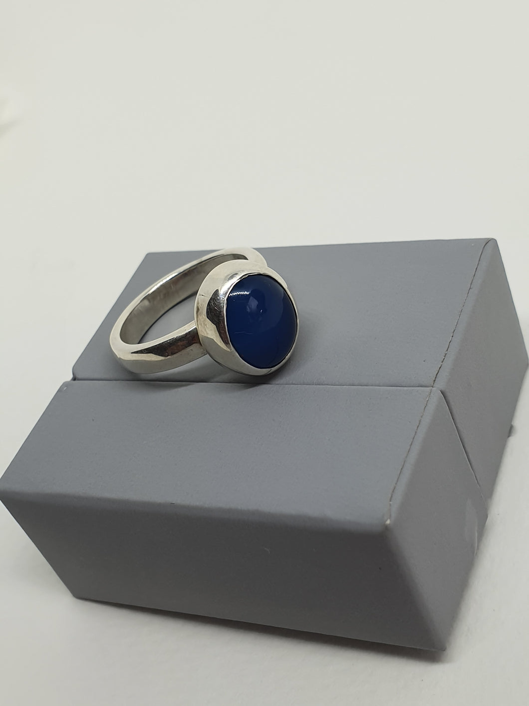 SOLD! 925 serling silver ring with a blue agate gemstone
