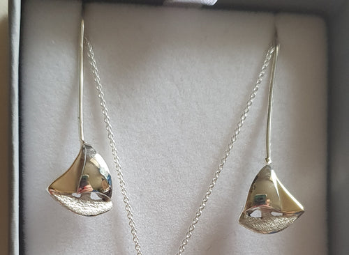 925 sterling silver and 9ct gold sailboat earrings