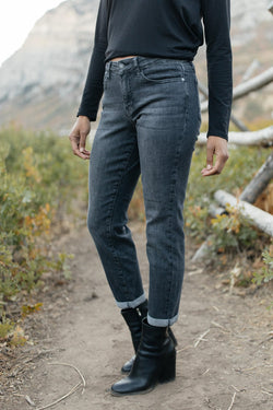 Judy Blue Fall Days Girlfriend Jeans