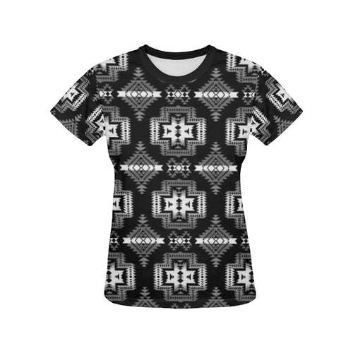 Pretty Blanket Black and White All Over Print T-shirt for Women/Large Size (USA Size) (Model T40) All Over Print T-Shirt for Women/Large (T40) e-joyer