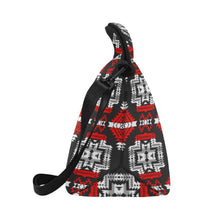 Pretty Blanket Red Stripe Neoprene Lunch Bag/Large (Model 1669) Neoprene Lunch Bag/Large (1669) e-joyer