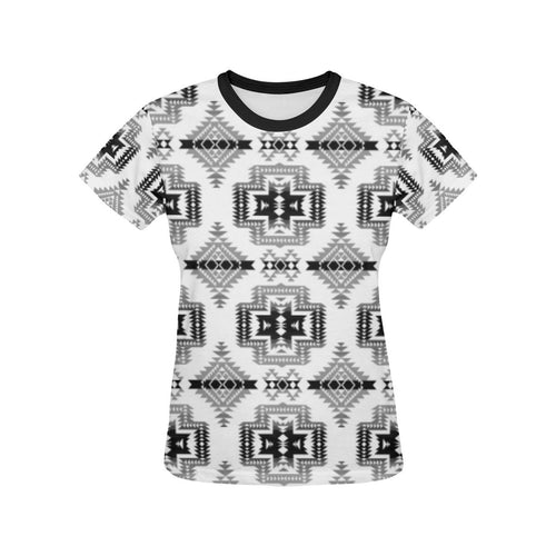 Pretty Blanket White and Black All Over Print T-shirt for Women/Large Size (USA Size) (Model T40) All Over Print T-Shirt for Women/Large (T40) e-joyer