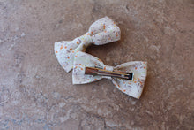 Load image into Gallery viewer, White/Orange Floral Knot Baylee Boo Bows