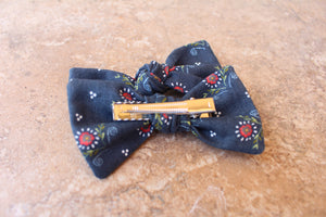 Navy Floral Baylee Boo Bows