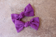 Load image into Gallery viewer, Orchid Knot Baylee Boo Bows