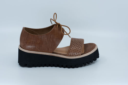 Perf Flatform Band in Brown