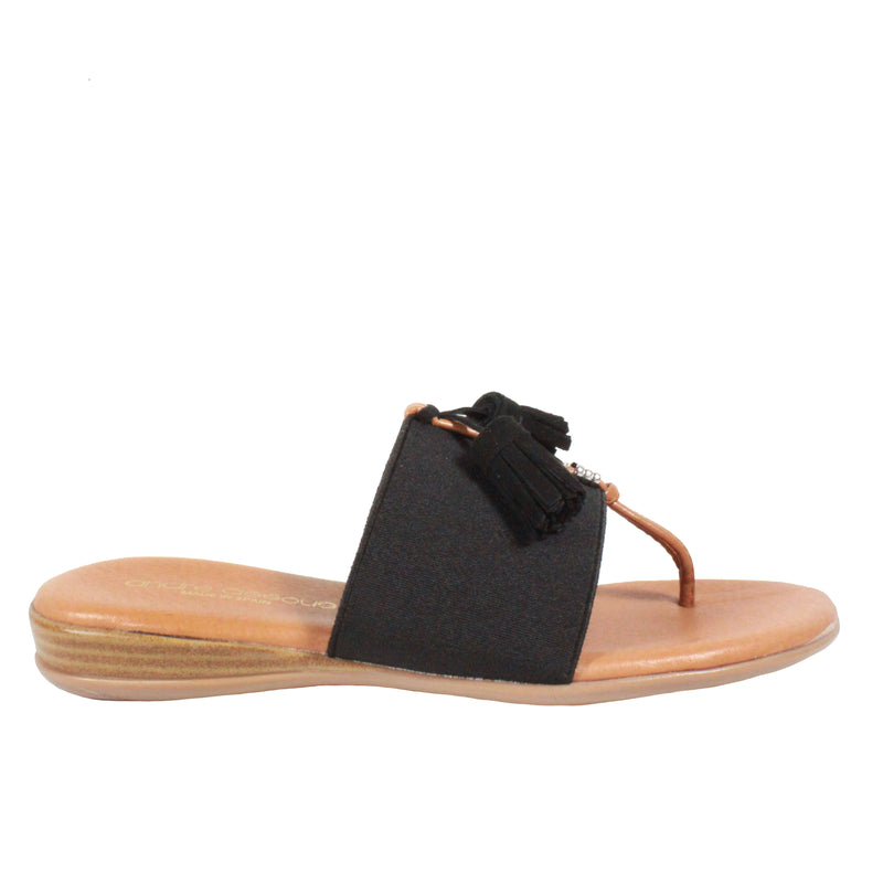 Nancy in Black flip flop