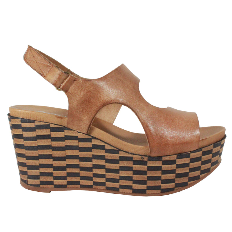 863 in Taupe checkered platform wedge