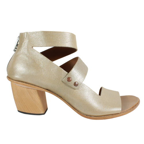 Brace in Pearlized Bone metallic heels cydwoq