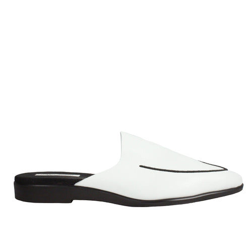 Vegeta Mule in White slip on mule