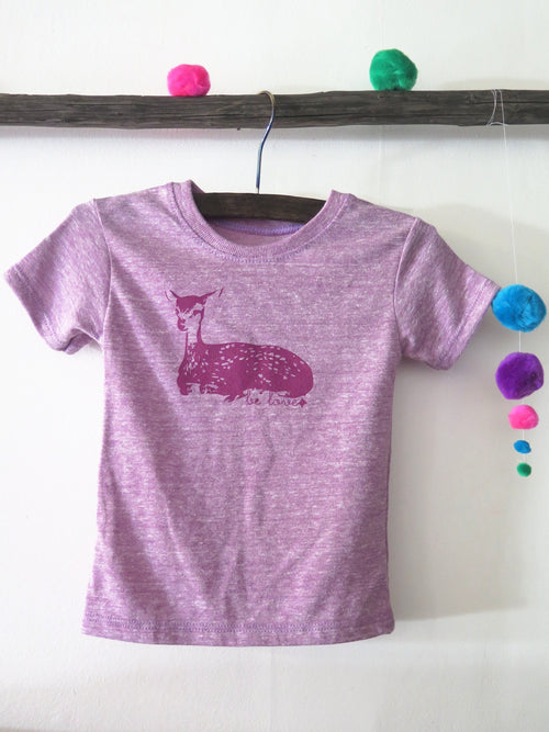 'BE LOVE FAWN' KIDS TEE (HEATHER LILAC)