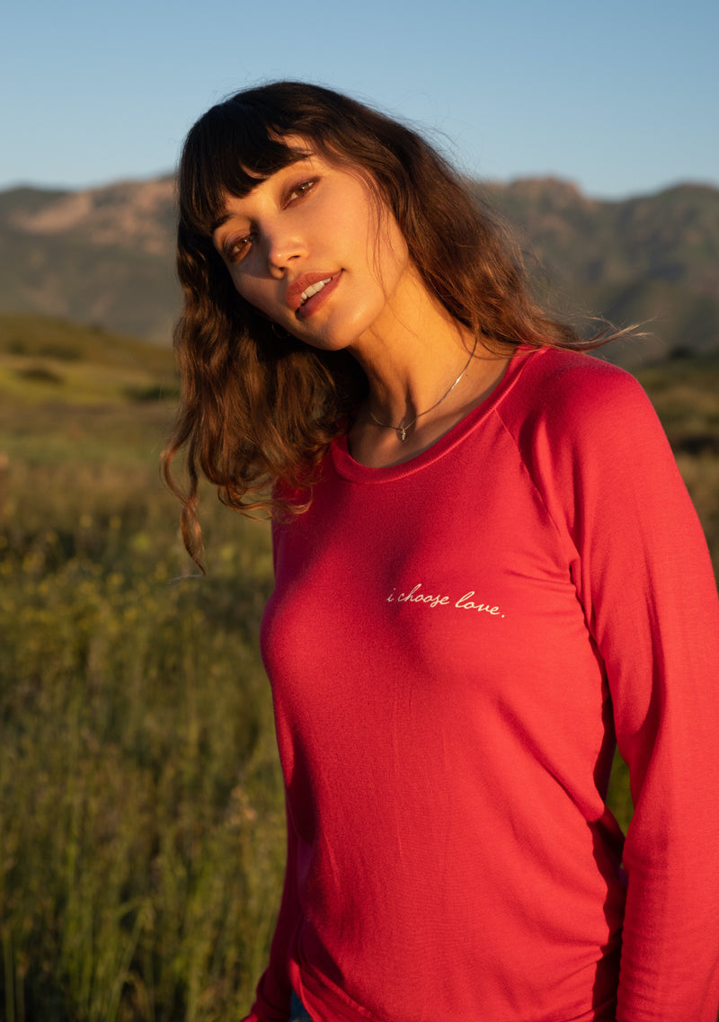 'I CHOOSE LOVE' ULTRA-SOFT RAGLAN SWEATER - CORAL