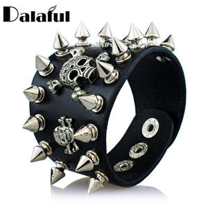 SPIKES RIVET GOTHIC THREE SKULL BIKER WIDE LEATHER BRACELETS WOMEN/MEN
