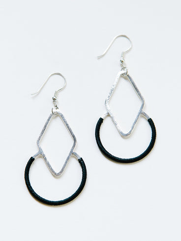 Graphic Threads Earrings Black