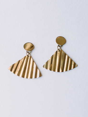 Shimmer Fan Earrings Gold
