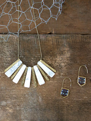 Marbled Rays Necklace White