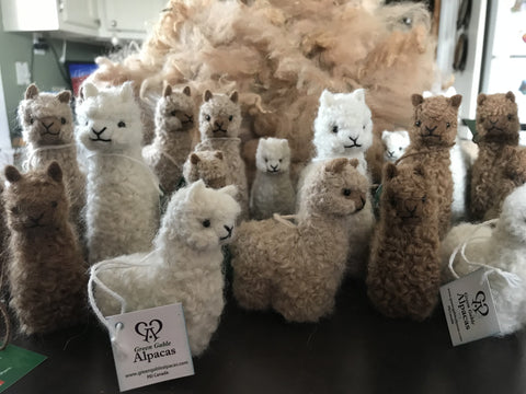 Alpaca figurines, stuffed alpaca toys