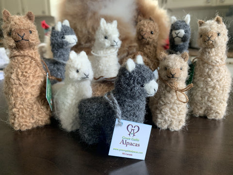 Alpaca Figurines - Green Gable Alpacas