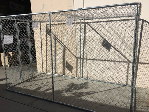 Cyclone Fence Dog Cage with Closed top and open bottom