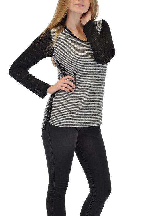 V NECK PULL OVER TOP WITH LACE SLEEVES