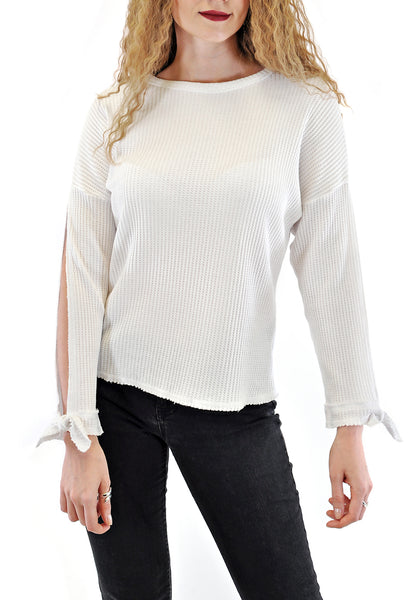 SLEEVE SLIT TOP CREW NECK WITH BOW