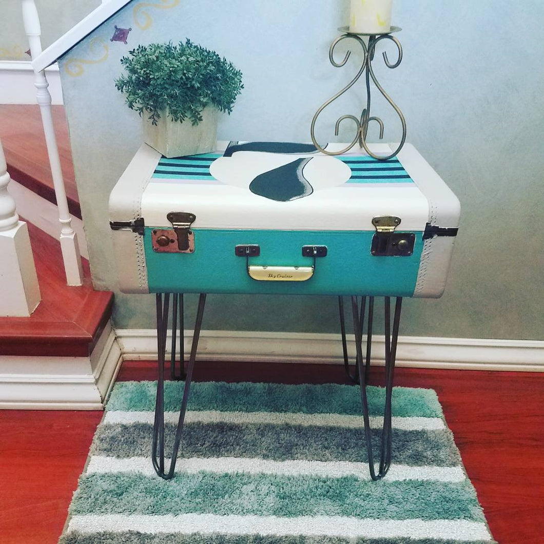 Vintage Suitcase Accent Table / Nightstand