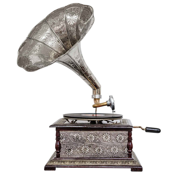 Heritage II-Etched Silver Horn Gramophone-LPVC101-The Best Handy Crafts