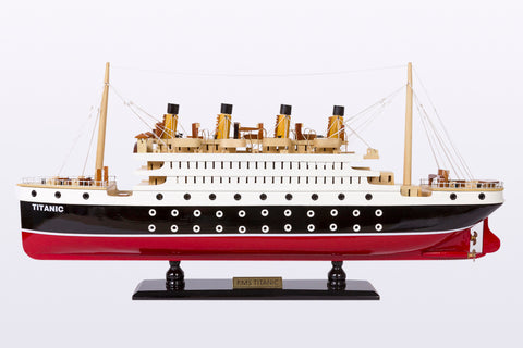 RMS Titanic Cruise Model
