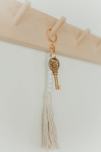 LUCKY 7 Bead Garland Keychain (All White) (Gold)