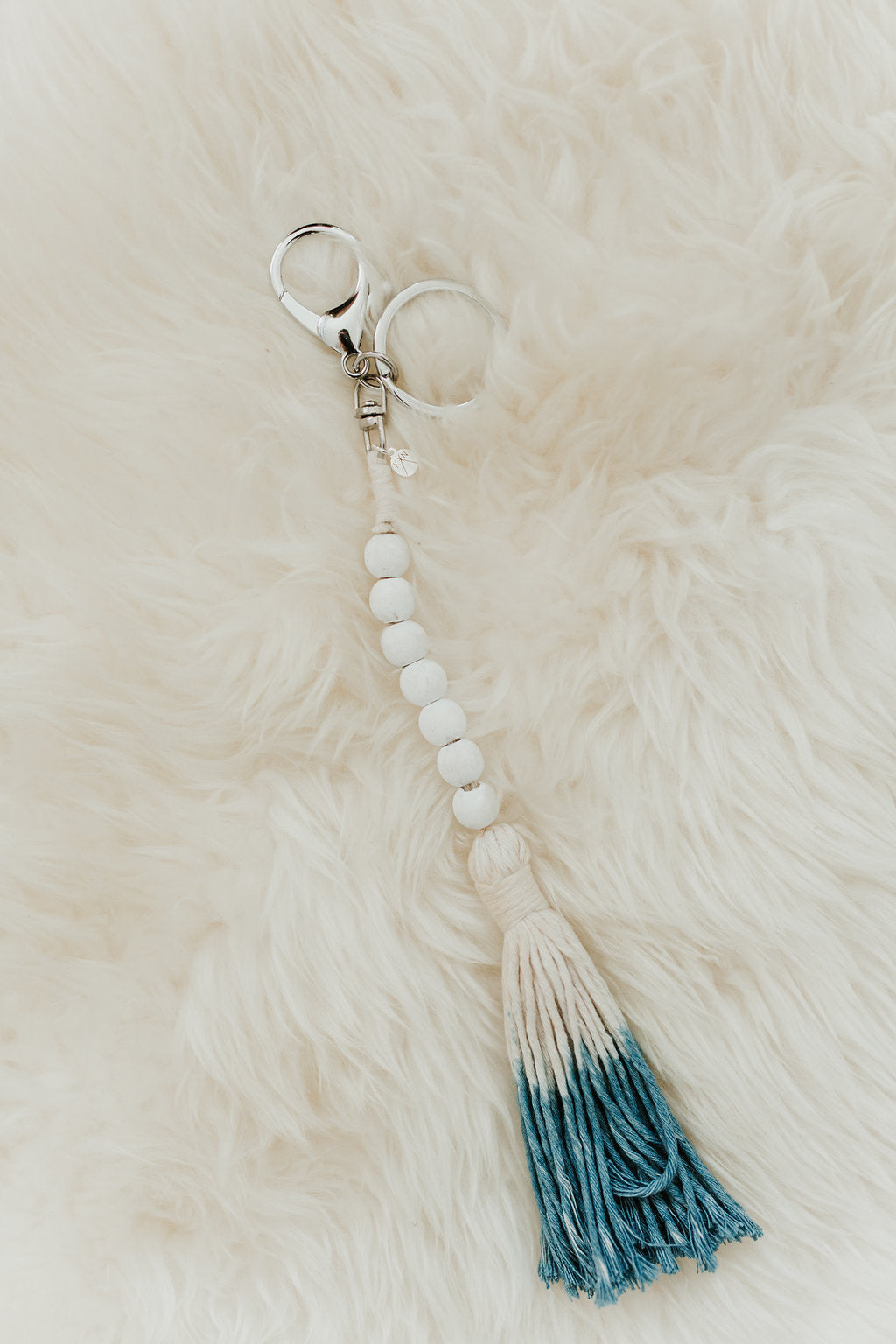 LUCKY 7 Bead Garland Keychain (All White with Shibori) (Silver)