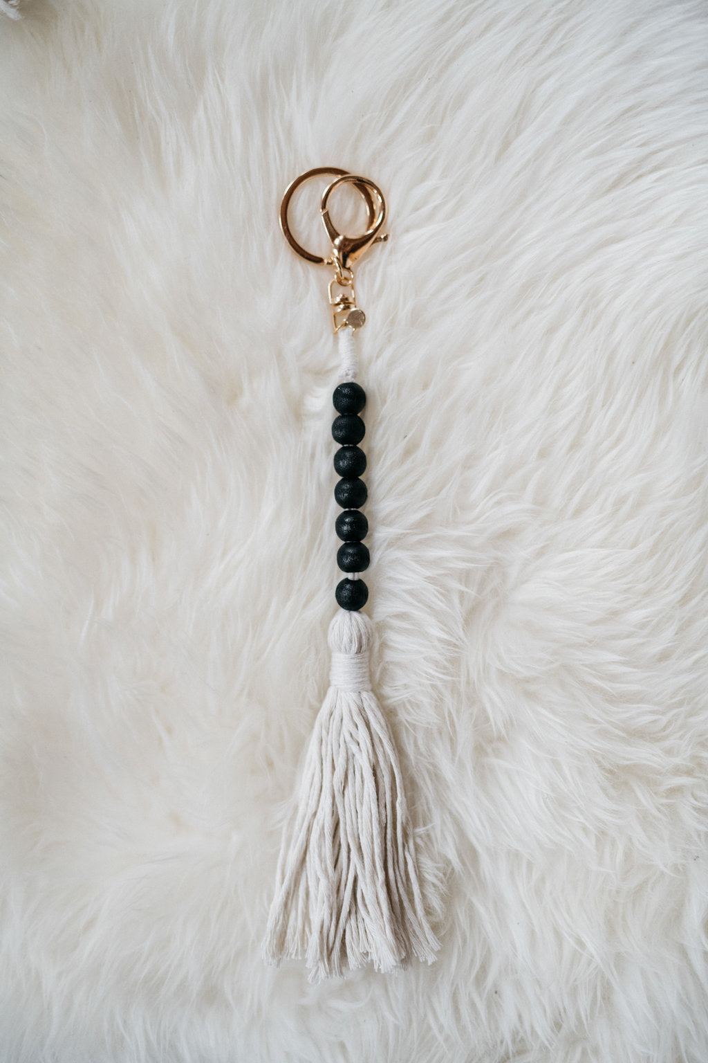 LUCKY 7 Bead Garland Keychain (Black) (Gold)