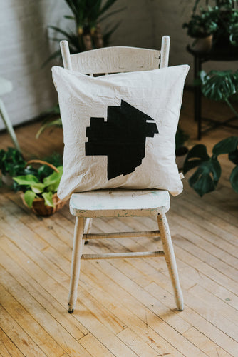 WINNIPEG Pillow Cover