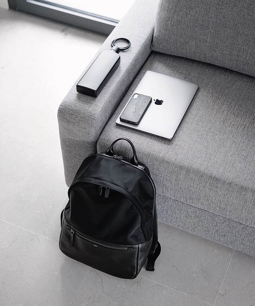A premium minimalist bag for those that want to keep things simple