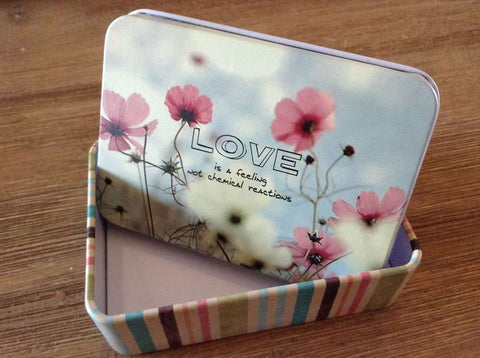 Medium - Love Tin Box