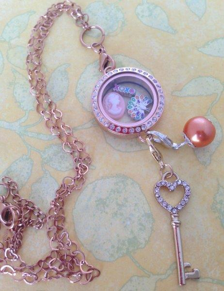 Charm Bracelet - Gold Locket / Bracelet Set