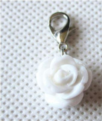 Rose White Pendant Tag